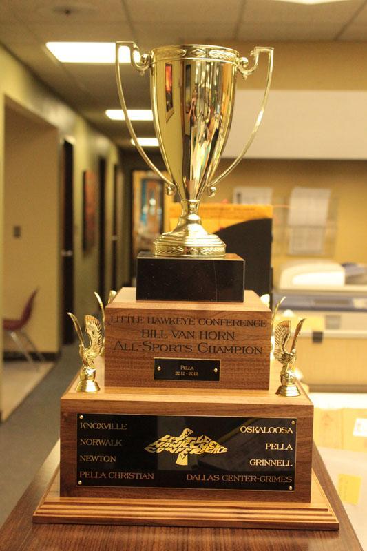 Little+Hawkeye+Conference+trophy+honors+Van+Horn