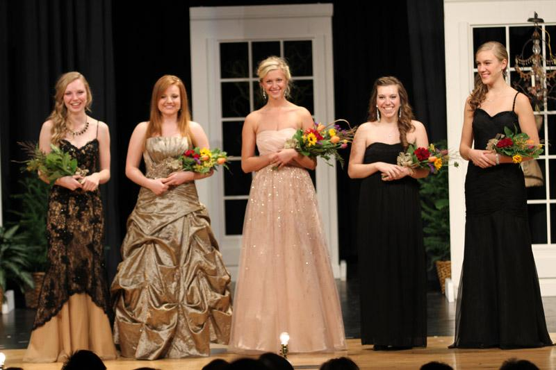 The+2014+Tulip+Queen+is+Pella+Christian+senior+Leah+Blankespoor%2C+center.+Her+court++consists+of+Pella+Christian+senior+Mariah+Eekhoff+and+Pella+High+seniors+Faith+Van+Wyn+Garden+Rachel+Mueller+and+Sarah+Muller.+They+were+selected+at+the+Queen%27s+announcement+party+Nov.+9+at+Pella+Christian+High+School.+Tulip+Time+will+be+May+1%2C+2%2C+and+3%2C+2014.+%E2%80%A2Photo+by+Ashley+Kirkland%0A-Aleasha+Reed+%28areed%40pelladium.com%29